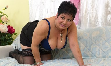 Chubby Big Breasted Mama Playing with a Rubber Toy - Mature.nl