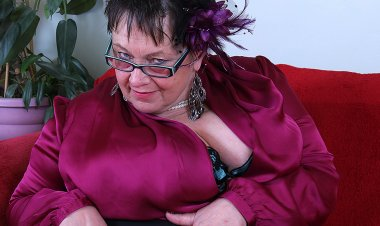 Huge Breasted British Mature BBW Playing All by Herself - Mature.nl