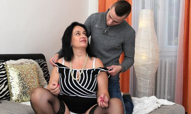Big Breasted Chubby Housewife Doing Her Toy Boy - Mature.nl