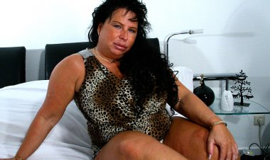 Big Breasted Mature Slut Getting Wet as Hell - Mature.nl