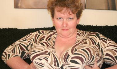 Huge Titted Mature Slut Playing with Herself - Mature.nl