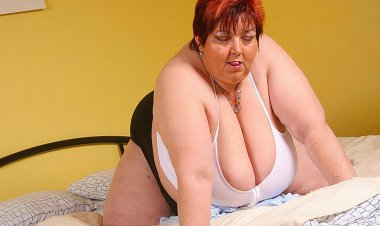 Big Mature Sluts Gets Wicked and Wild on Her Self - Mature.nl