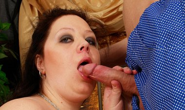 Huge Titted Mama Getting a Mouth Full of Jizz - Mature.nl