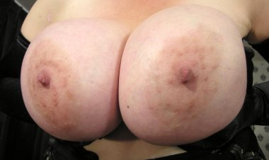 Big Titted Mama Playing with Her Pussy - Mature.nl