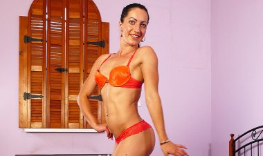Great Body Mom Loves Big Toys in Ass and Pussy - Mature.nl