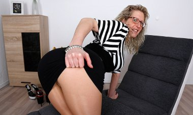Big Breasted German Housewife Playing with Herself - Mature.nl