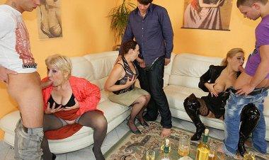 Its a Party When Mature Sluts Lick Ass and Suck Cock - Mature.nl