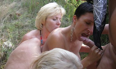 Kinky Mature Groupsex in the Woods - Mature.nl