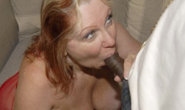 When Mama Needs Cock She Really Wants It to Be Black - Mature.nl