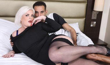 Hot British Mom Sucks a Black Cock before Taking It in Her Pussy