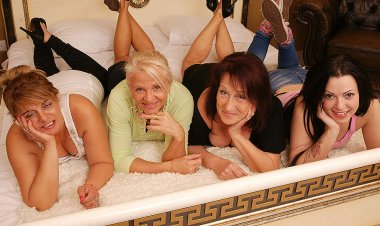 Four Old and Young Lesbians Making out on Bed - Mature.nl