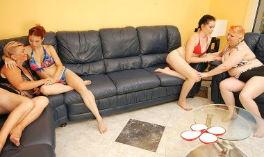 Four Old and Young Lesbians Have a Sexparty - Mature.nl