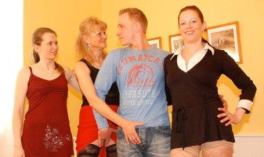 Three Naughty Mature Sluts Share One Cock - Mature.nl