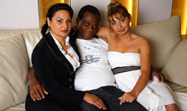 Hot Mature Interracial Threesome Goes Wild - Mature.nl