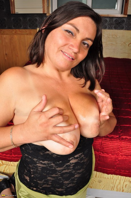 Latin mature Alison loves to suck and ride a hard cock
