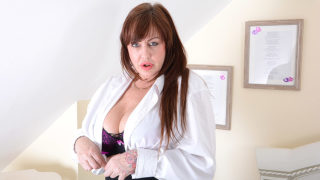 Big Breasted British Housewife Playing with Her Toy – Mature.nl