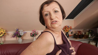 Horny Housewife Playing with Herself – Mature.nl