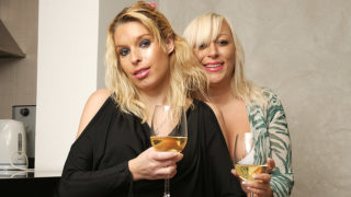 Two Blonde Old and Young Lesbians Make It Wild – Mature.nl