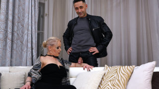 Blonde Mom Miss Loly Loves a Good Hard Cock – Mature.nl