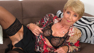 Horny Granny Playing with Her Wet Pussy – Mature.nl