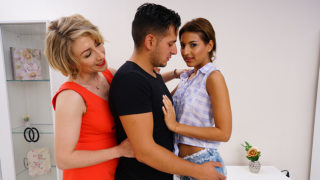 Hot Babe Sharing Her Boyfriend with Her Aunt – Mature.nl