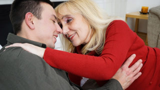 Horny granny gets fucked by her toyboy – Mature.nl